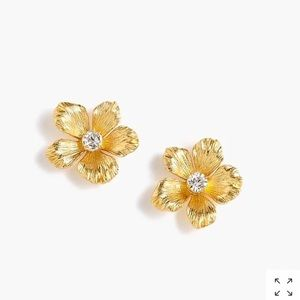 💚NEW LISTING💚J. Crew Flower Stud Earrings